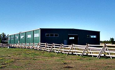 pre-engineered steel farm buildings